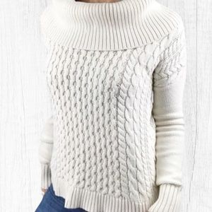American Eagle Sweater Ivory Cable Knit Small
